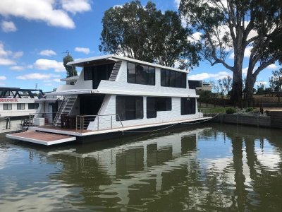 Houseboat and Mooring For Sale