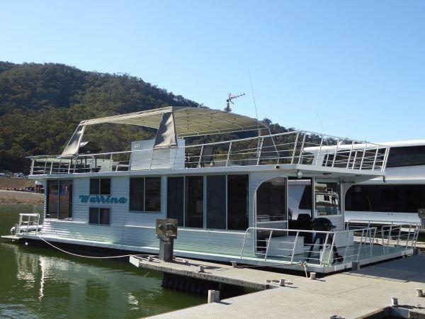Houseboat Holiday Home on Lake Eildon, Vic.:Warrina @ Lake Eildon
