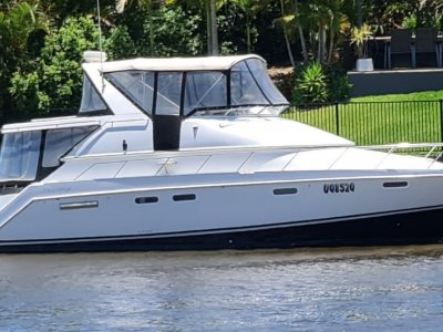 Chris Craft Continental 421 Express