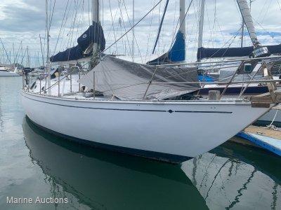 Custom 45 Foot Yacht Centre Cockpit