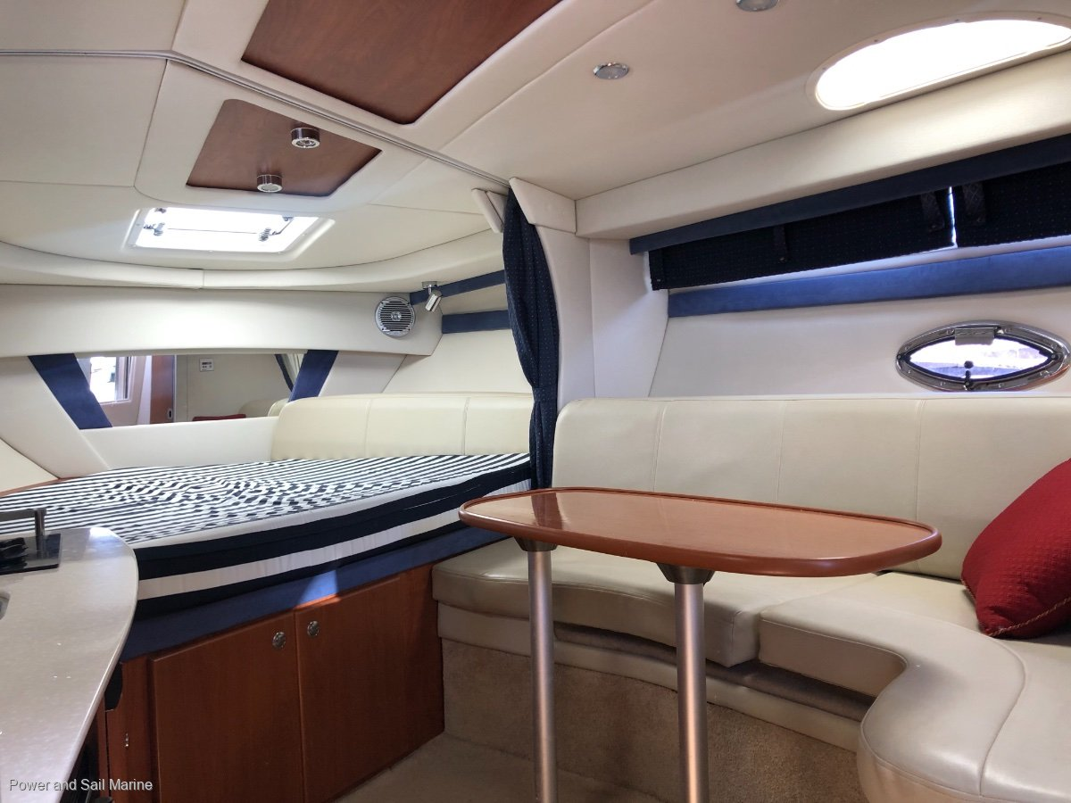 Bayliner 320 Low hours, aircon, what more do you need?