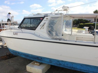 Leisurecat 10.0 Kingfisher Extended hardtop with stainless steel framing