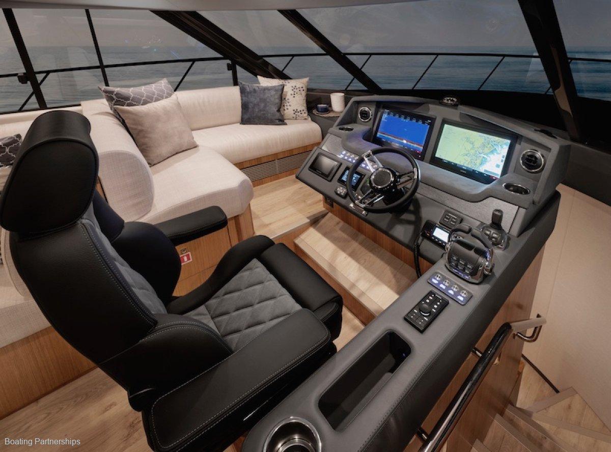 New Riviera 5400 Sport Yacht Platinum Edition