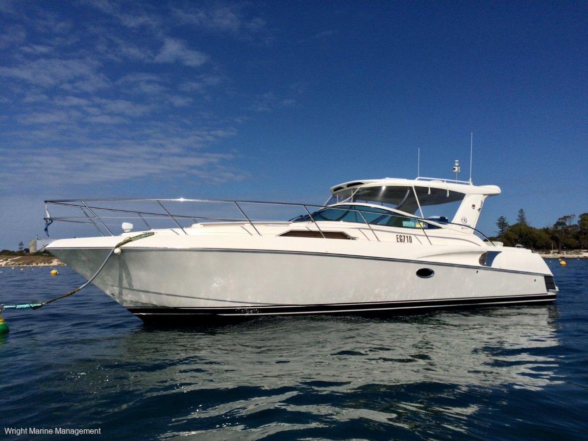 Riviera M360 Sportscruiser - Repowered, twin 6.2L 350HP MerCruiser 100hrs