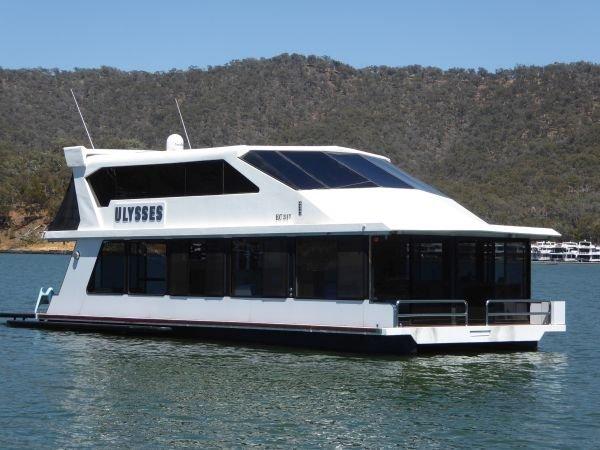Houseboat Holiday Home on Lake Eildon, Vic.:Ulysses on Lake Eildon