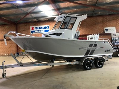 Formosa SRT 595 Centre Cabin with Hard Top