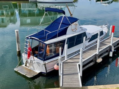Steel Flybridge Cruiser 34'