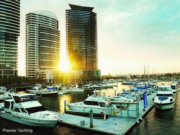 18m berth in Docklands