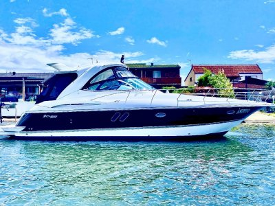 Cruisers Yachts 420 Express- Click for more info...