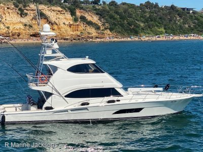 Riviera 63 Enclosed Flybridge