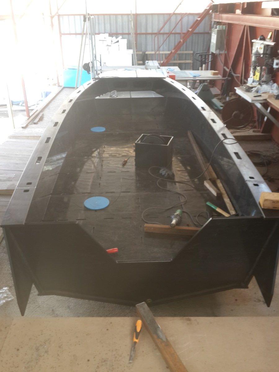5.60m Polyethylene Fishing Boat