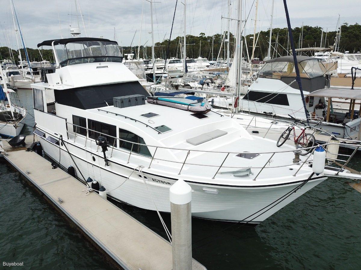 Roberts 50 Flybridge Cruiser
