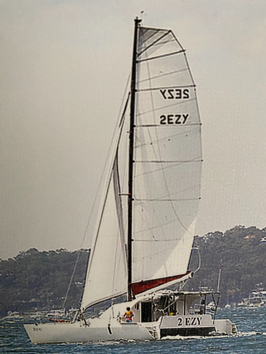 Malcolm Tennant Turissimo 10 MK3 Custom/Bridge Deck/Full hardtop:Full sail reaching