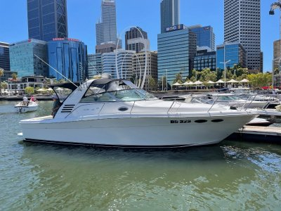 Sea Ray 375 Amberjack ** RARE - TWIN SHAFT - DIESEL MOTORS **