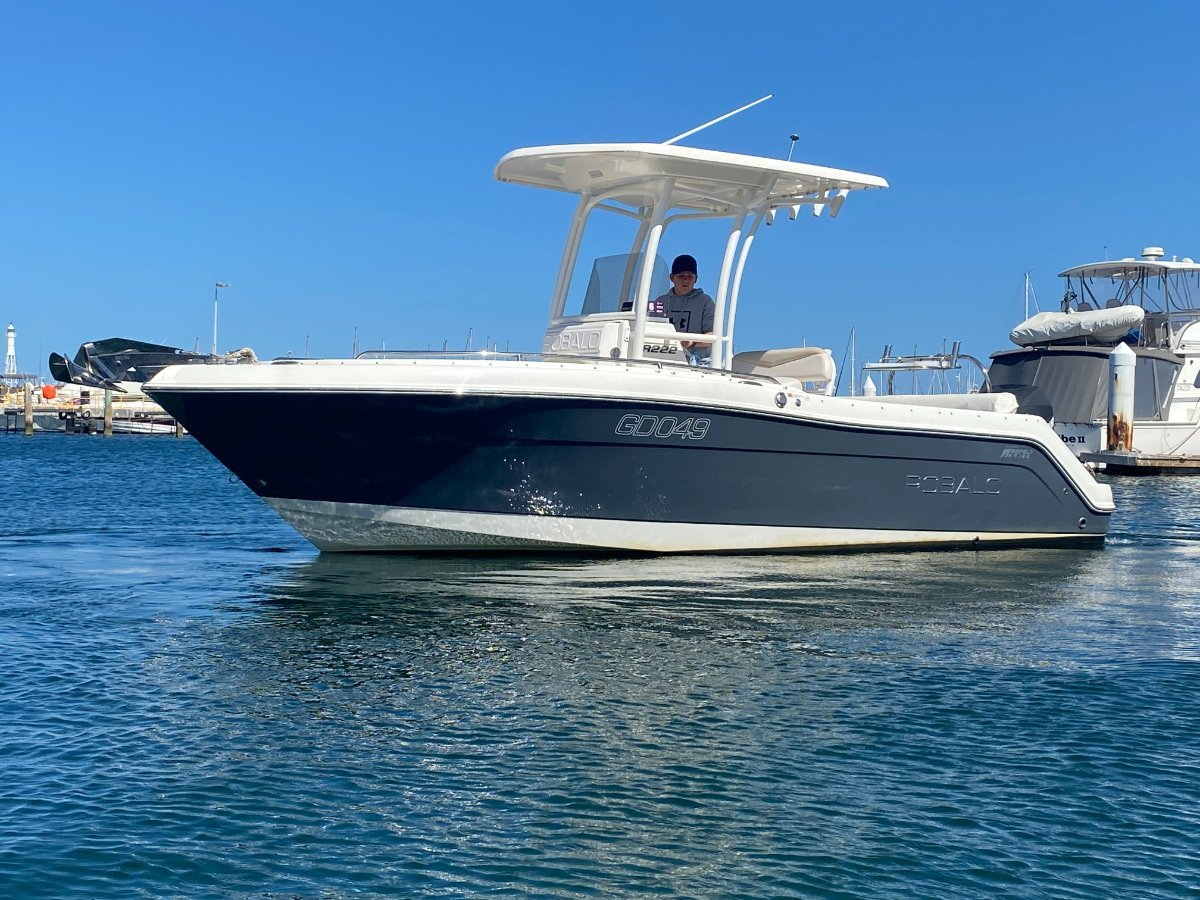 Robalo R222:Perfect OFFSHORE rig!