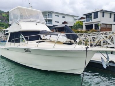 Mariner 3400 Flybridge Cruiser