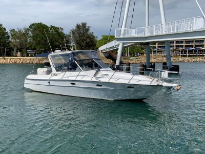 Thomascraft Custom 33ft Sport Cruiser with Twin Outboards