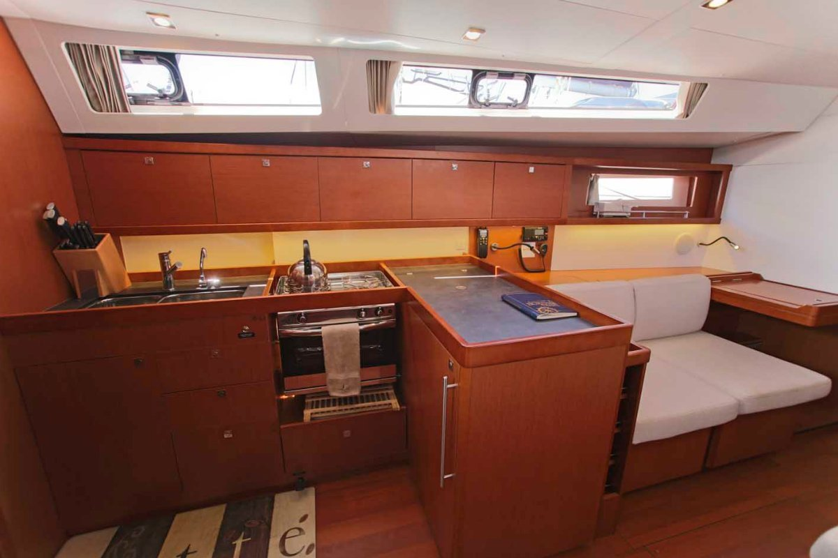 Beneteau Oceanis 45 managed by Yachtshare