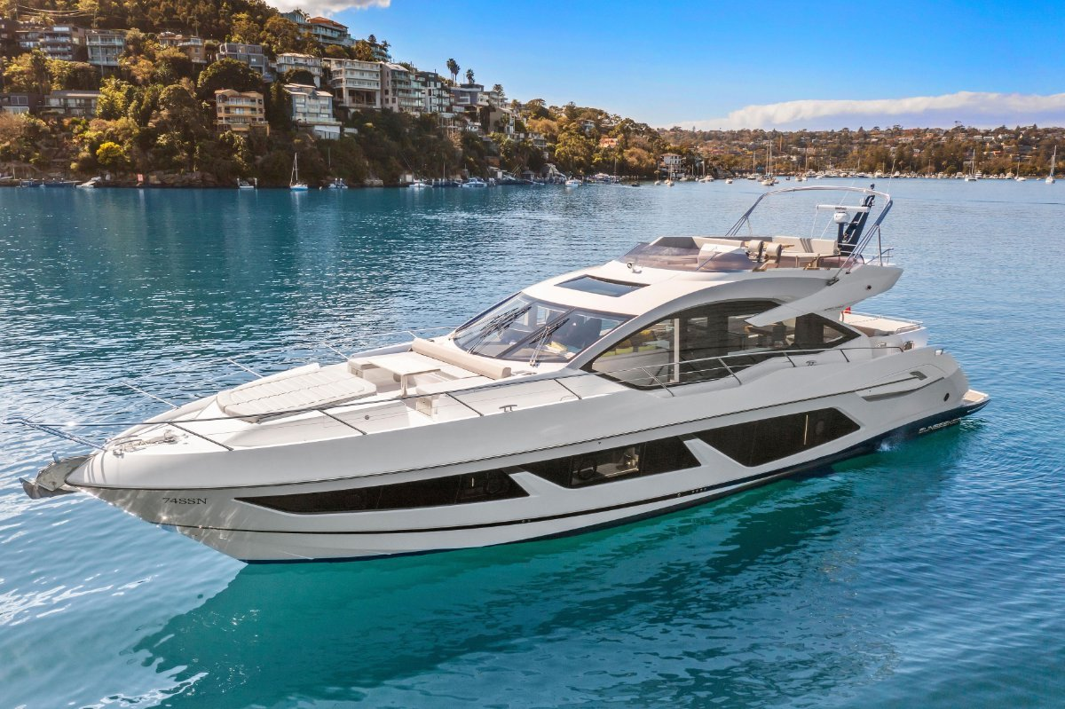 2019 Sunseeker Sports Yacht 74