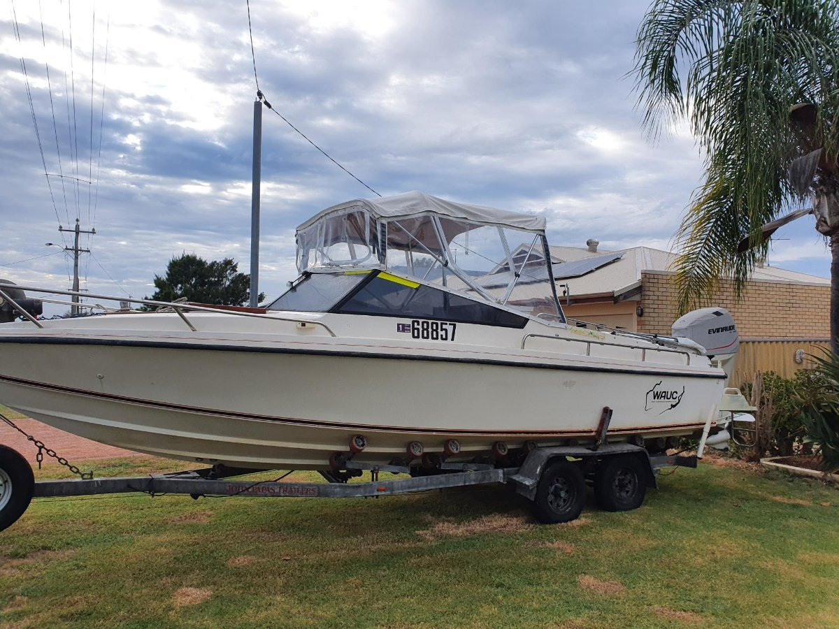 Jenks Craft 25 Allrounder Rotto boat long range offshore perform:rear covers stowed or removed