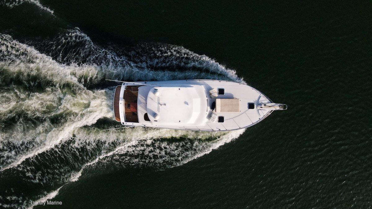 Cresta 46 Flybridge cruiser
