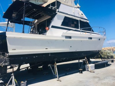 Lycrest 42 Flybridge Cruiser