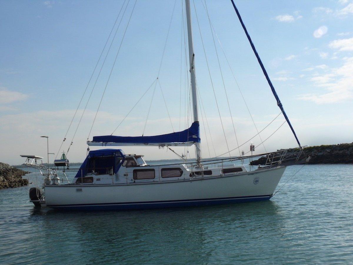 Seven Seas 37 Cutter