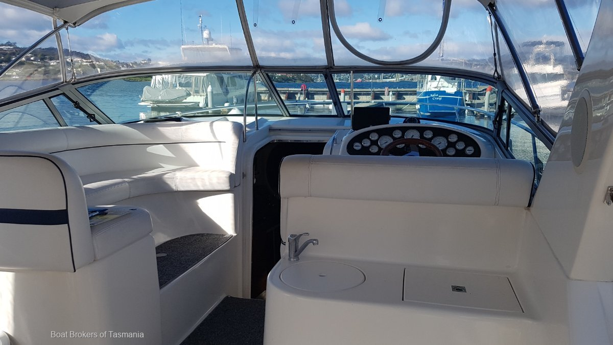 Mustang 3800 Sportscruiser Delivered December 2003. Very low hours Boat Brokers of Tasmania