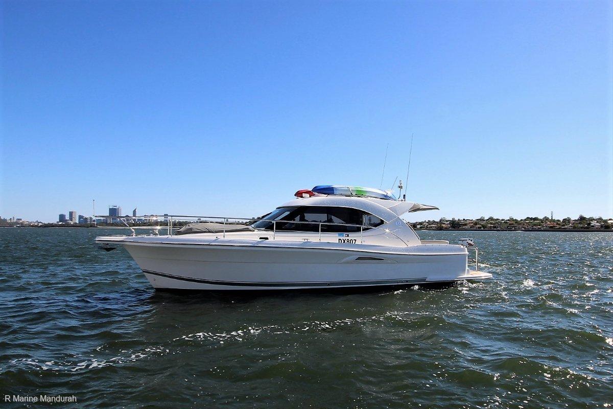 Riviera 3600 Sport Yacht ***UPGRADES GALORE *** $355000***