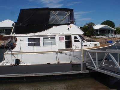 Clipper 30 Flybridge Great Affordable Family Boating