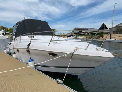 Four Winns Vista 318- Click for more info...