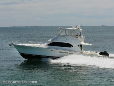 Riviera 47 Open Flybridge Series II Upgraded MAN engines and hydraulic swimboard