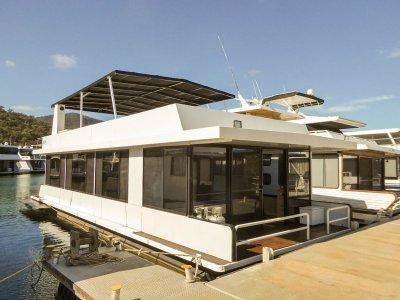 Getaway - Houseboat