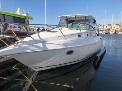 Sunrunner 3300 CABIN CRUISER- Click for more info...