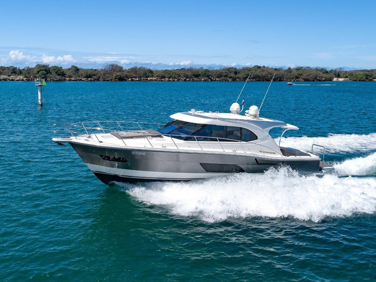 Riviera 445 SUV Seakeeper Gyro, Hydraulic platform, Volvo DPS