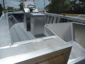 Stessco Fish Hunter 469 Centre Console