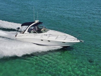 Four Winns Vista 348 *** HIghly optioned luxury cruiser - low hours ***