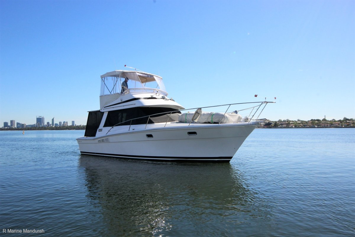 Riviera 35 Flybridge Excellent family Rotto Vessel