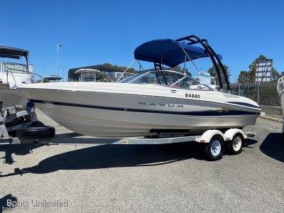 Maxum 2000 Sr3 BOW RIDER FITS THE LARGER FAMILY
