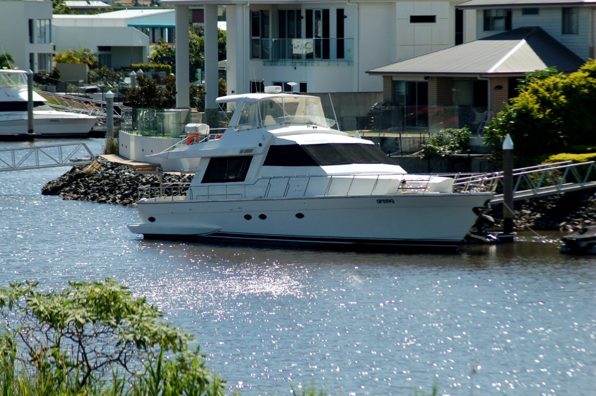 Aviva International Motoryachts