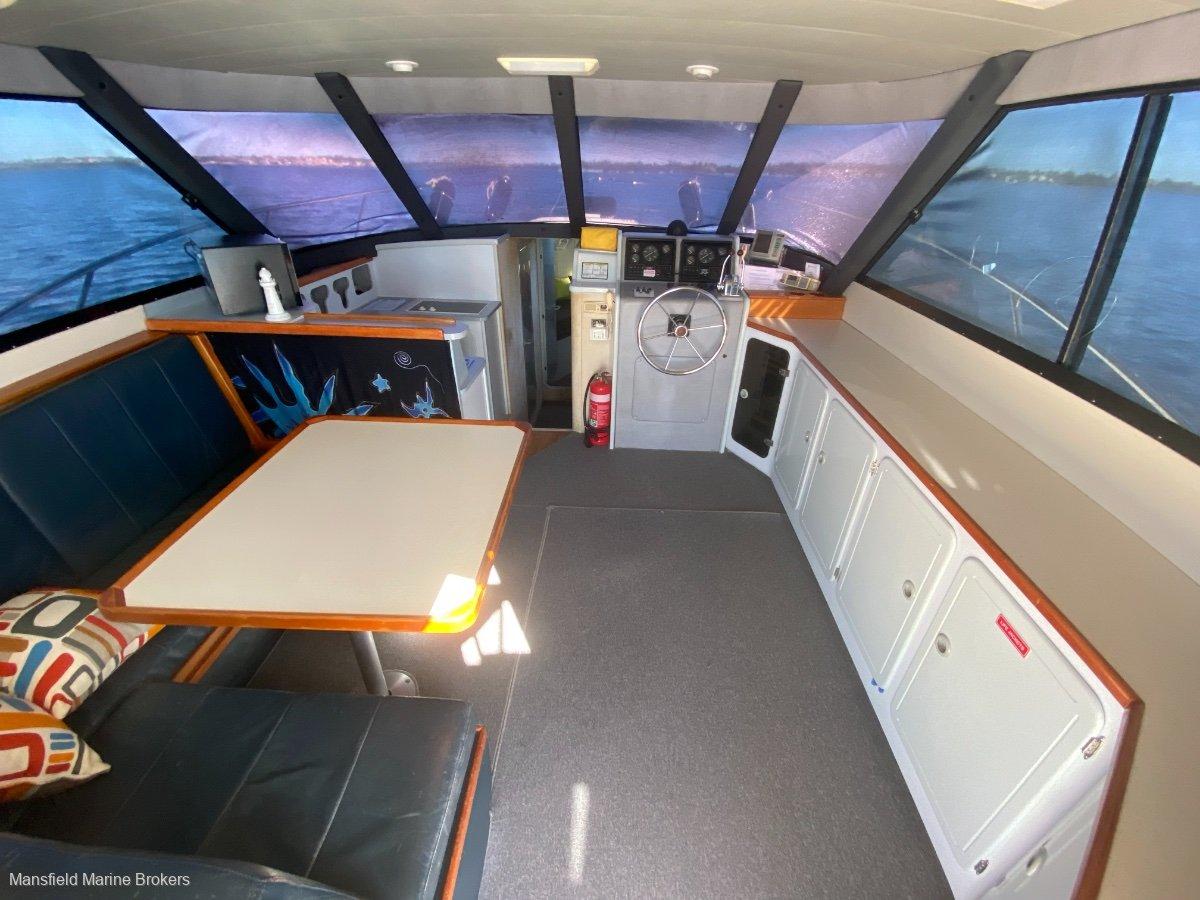 Thomascraft 38 Flybridge Cruiser