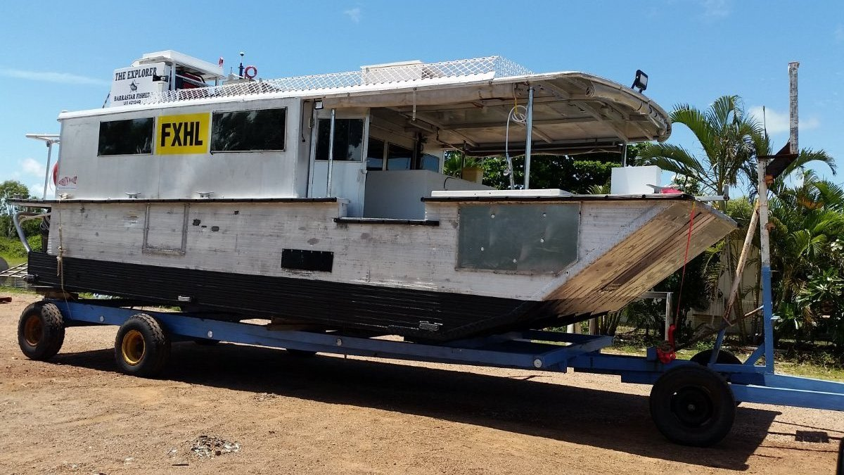Shallow draft barge, Gulf Barra boat