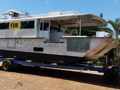 Shallow draft barge, Gulf Barra boat