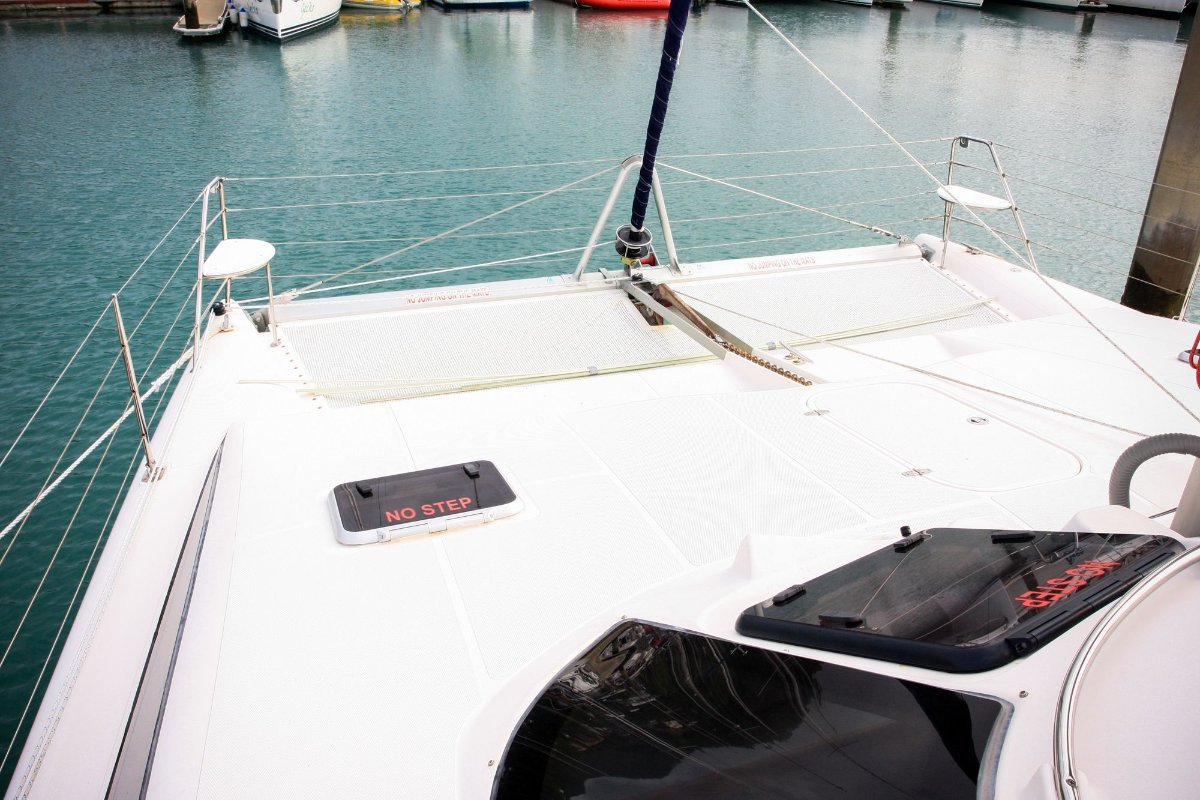 Lightwave 38 Whitsunday Bareboat 4yr contract:Front Deck