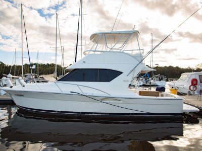 Mariner 3850 Flybridge Riviera transition model
