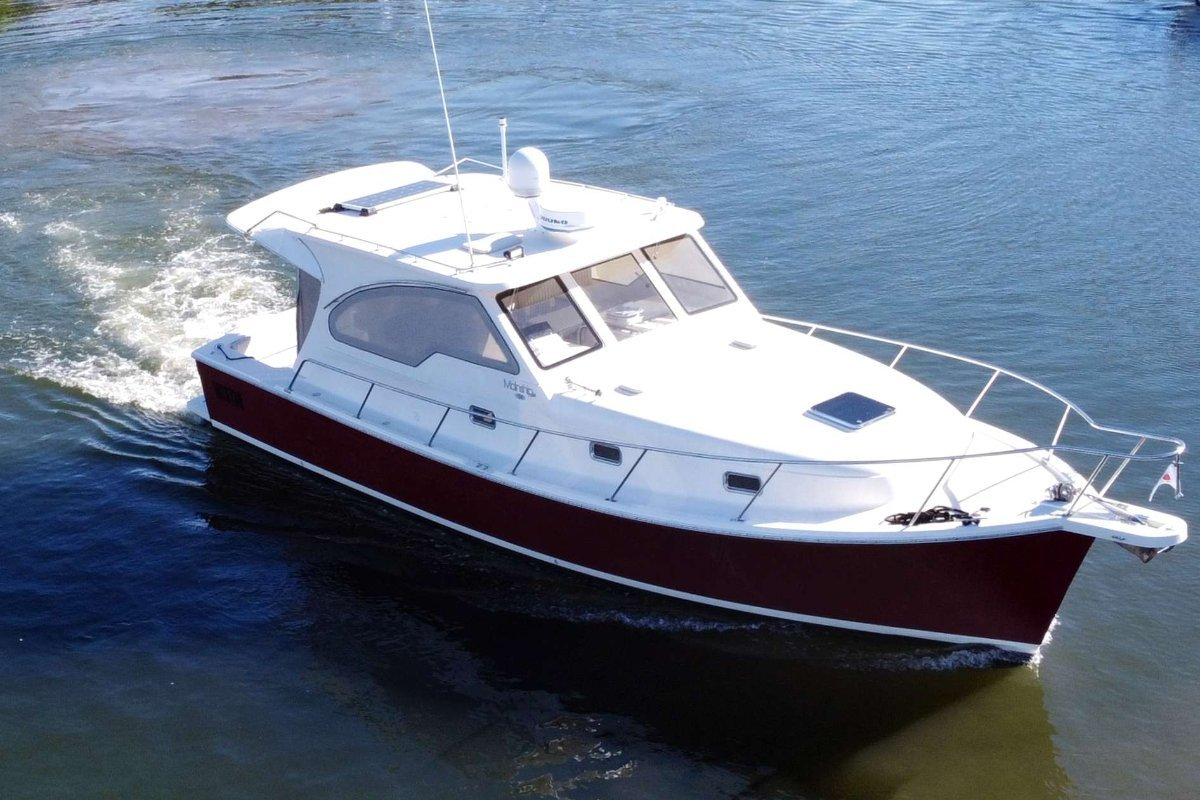 Mainship 340 Pilot Sedan - in great condition and just serviced
