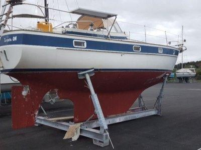Hallberg-Rassy 352 World Renown Cruising Yacht