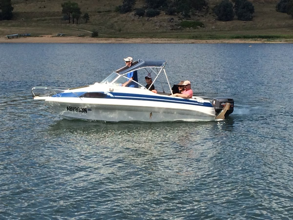 Haines Signature 493F Family, cruising or fishing trailable cabin boat