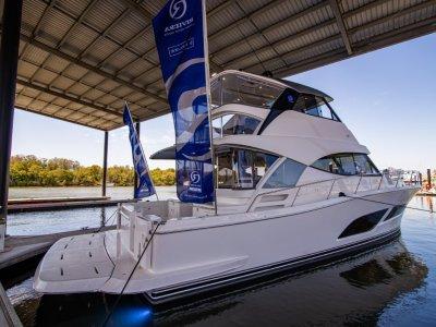 Riviera 50 Sports Motor Yacht