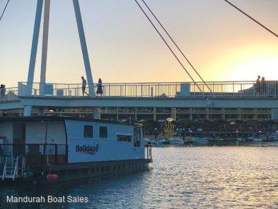 """15m Custom Houseboat - """"Holidaze"""""""